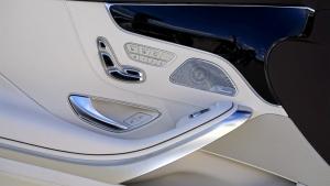 superhydrophobic spray coating on car interior